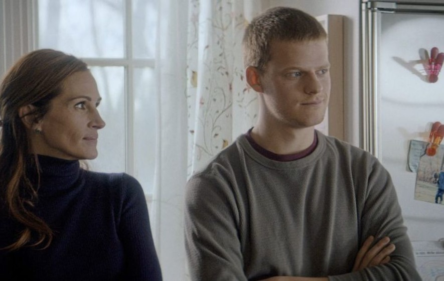 Film Review Julia Roberts And Lucas Hedges Excel In Family