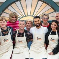 Michelle Keegan steals star baker during second celebrity Bake Off special