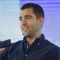 Facebook loses longtime product chief as it revamps strategy