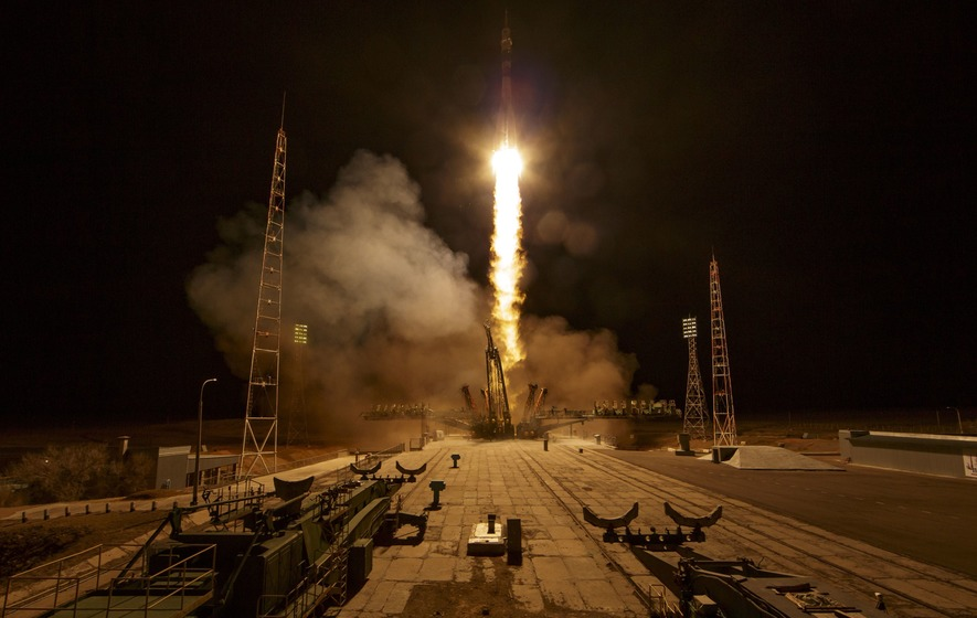 Russian-American crew arrive at the International Space Station