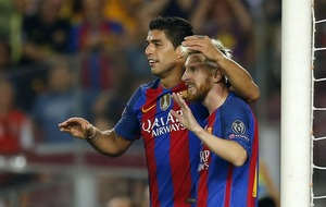 Barca's Suarez injury scare ahead of Manchester United tie