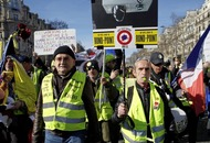 Macron to deploy soldiers across France to maintain security during yellow vest protests this weekend