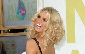 Jessica Simpson gives birth to a daughter