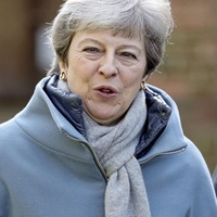 Theresa May holds 'lengthy talks' with Brexiteer backbenchers as she battles to save deal