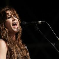 Singer Alanis Morissette expecting third child