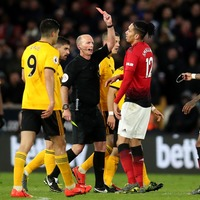 Twitter reacts to Mike Dean's century of Premier League red cards