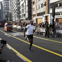 Usain Bolt beats motorcycle taxi in race in Peruvian capital