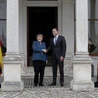 Merkel shows solidarity with communities on both sides of the Irish border