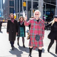 Sir Billy Connolly leads New York's Tartan Day Parade