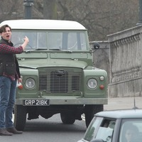 Domhnall Gleeson kicks Land Rover as he films Peter Rabbit 2