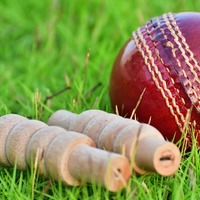 Eyebrows raised in IPL as ball fails to remove bails for second day running