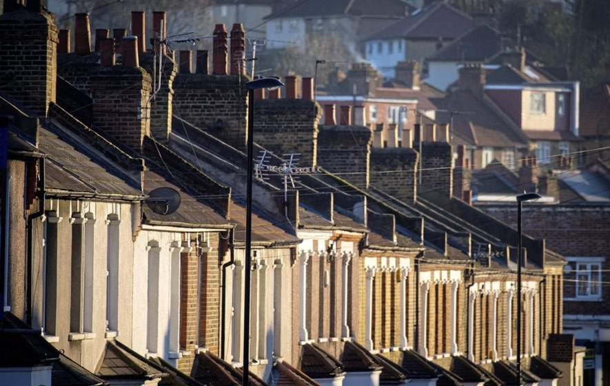 House sales hit by market uncertainty