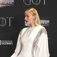 Sophie Turner says social media criticism made her 'very self-conscious'