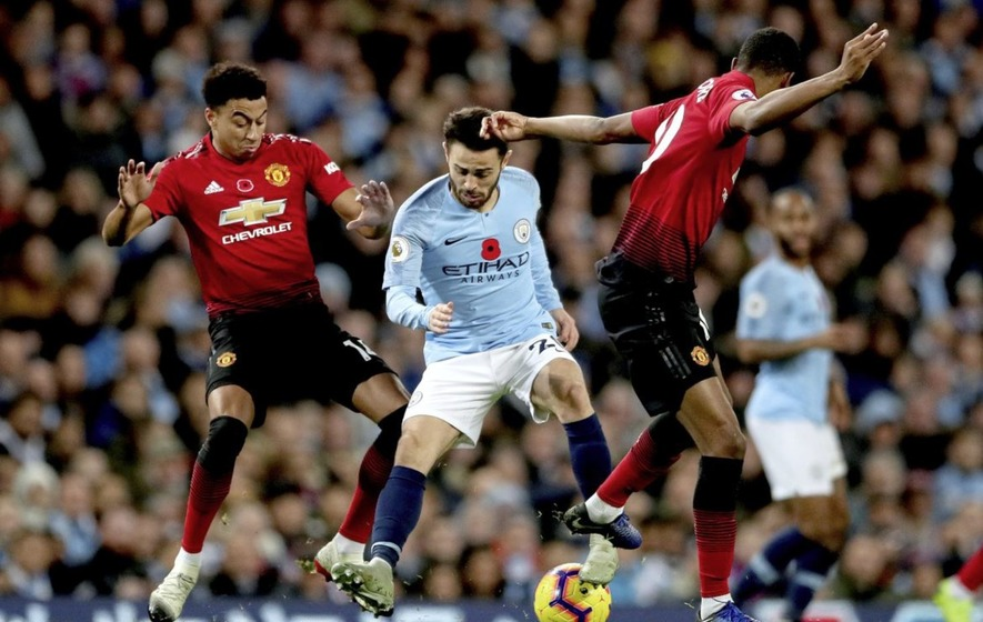 Man City works Man Utd, 3 wins from defending title