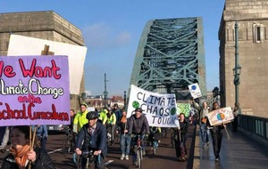 Tyne Bridge climate change protest sees cyclists stage go-slow