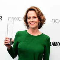 Sigourney Weaver surprises students behind viral Alien play