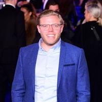 Rob Beckett to host new BBC quiz show Head Hunters