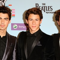 Jonas Brothers to play first UK show in 10 years