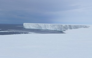 Rapid melting recorded at world's largest ice shelf