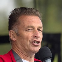 Death threats sent to Chris Packham in row over bird shooting licences