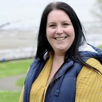 Deaf woman settles discrimination case against bank