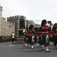 Congratulations: Windsor guards play Cliff Richard rendition for royal baby