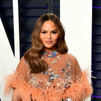 Chrissy Teigen's daughter Luna unknowingly recreates her mother's meme face