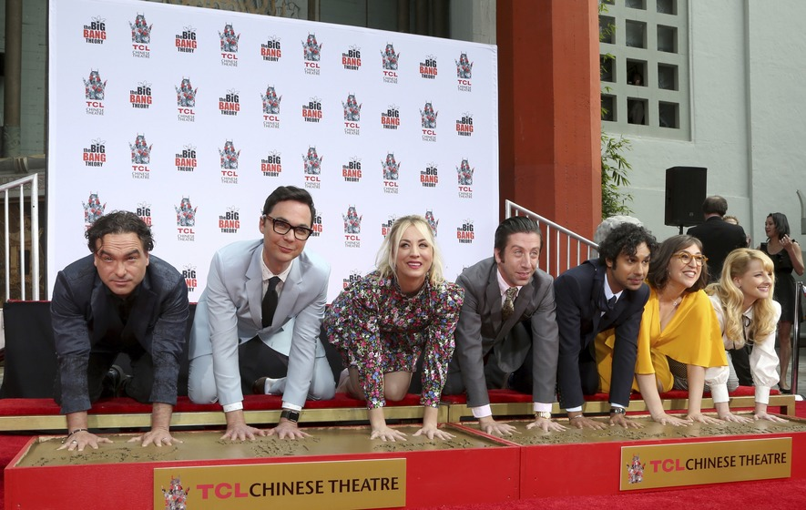 Fans Say Emotional Farewell To The Big Bang Theory