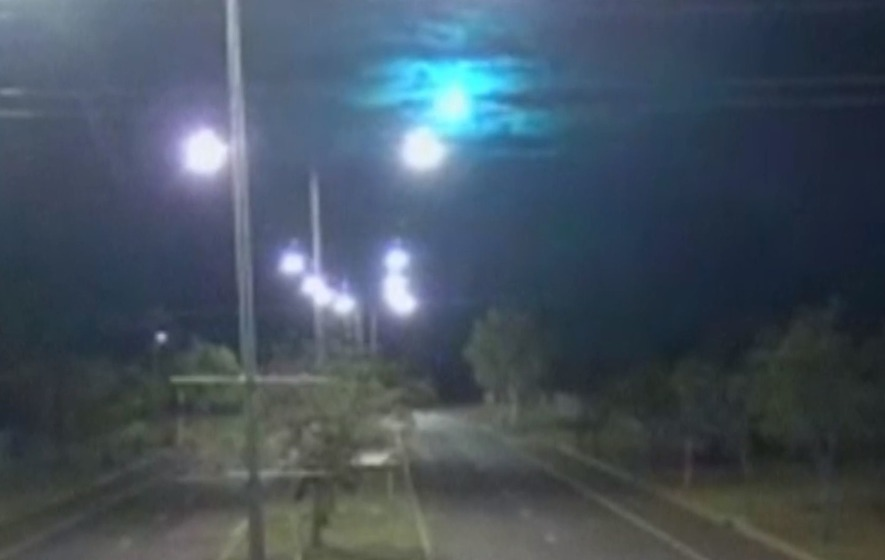 Watch as a suspected meteorite flashes over Northern Australia - The