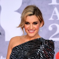 Ashley Roberts to make West End debut in Waitress