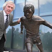 Fans criticise George Best sculpture