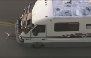 Dog jumps from motor home during US police chase