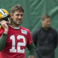 Green Bay Packers player destroys Aaron Rodgers in beer chugging competition