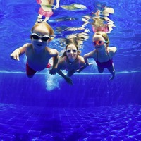 6 tips to help children feel more confident in the water this summer