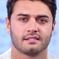 Love Island star Mike Thalassitis found hanged after leaving notes to family