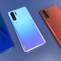Huawei accused of pushing adverts to phone lockscreens