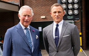 Charles interrupts M giving James Bond a 'good dressing down' during set trip