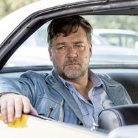 Sleb Safari: Russell Crowe, Leonardo DiCaprio and the dinosaur skull