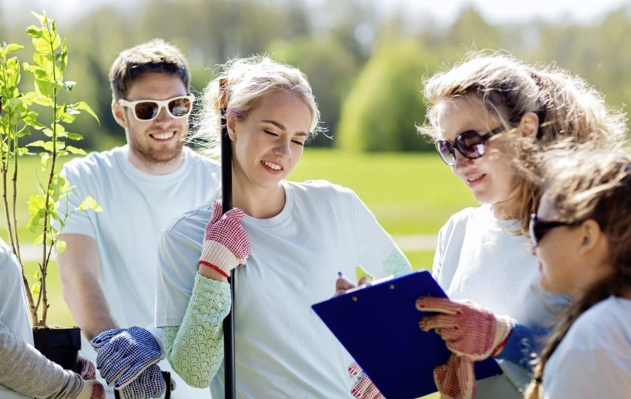 Summer volunteering schemes can help to keep teens productive - The