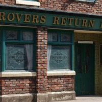 Coronation Street consults domestic abuse experts for coercion storyline