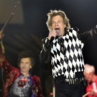 Mick Jagger appears healthy as Rolling Stones return to stage