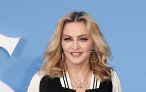 Madonna calls on fans to demand gun control