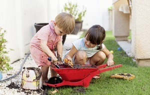 Top tips on how to get kids playing and learning outside this summer