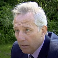 Ian Paisley challenges BBC over Maldives allegations