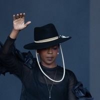 Lauryn Hill grapples with sound issues during Glastonbury set