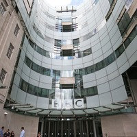 No 10: BBC must explain why star pay is up after free licences for over-75s cut