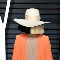 Sia denies using blackface after Taylor Swift fans unearth 2011 picture