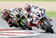 Jonathan Rea roars to hat-trick of World Superbike wins