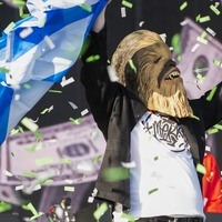 Lewis Capaldi's Chewbacca mask hits £5,000 in charity auction after 12 hours