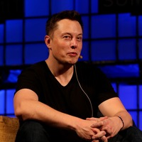 Elon Musk hopes to put brain-reading implant in human by 2020